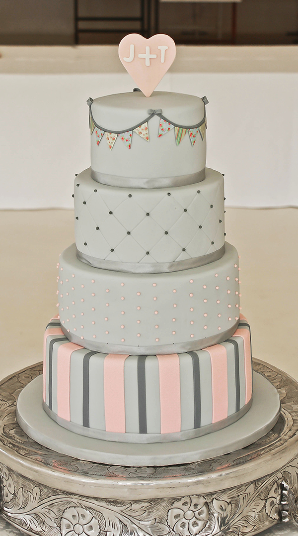 Edible Art Cakes - Wedding Album
