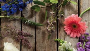 4 important things to think about when choosing wedding flowers