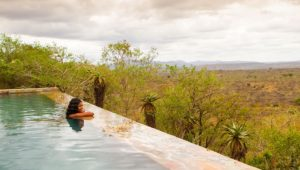 Spend your honeymoon relaxing in the luxury of Rhino Ridge Safari Lodge
