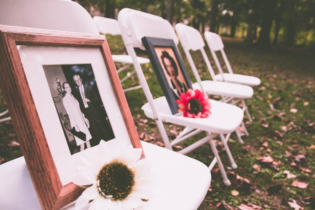 5 ways to honour lost loved ones on your big day
