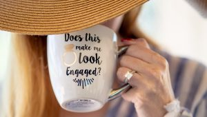 6 ways to announce your engagement