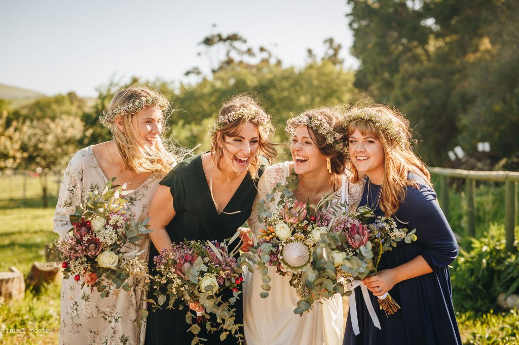 The differences between real and artificial wedding flowers
