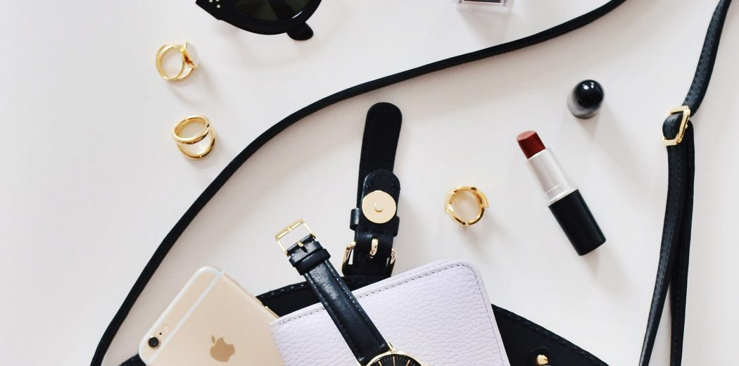 Multi-functional make-up essentials for your honeymoon
