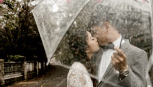 What to do if it unexpectedly rains on your wedding day