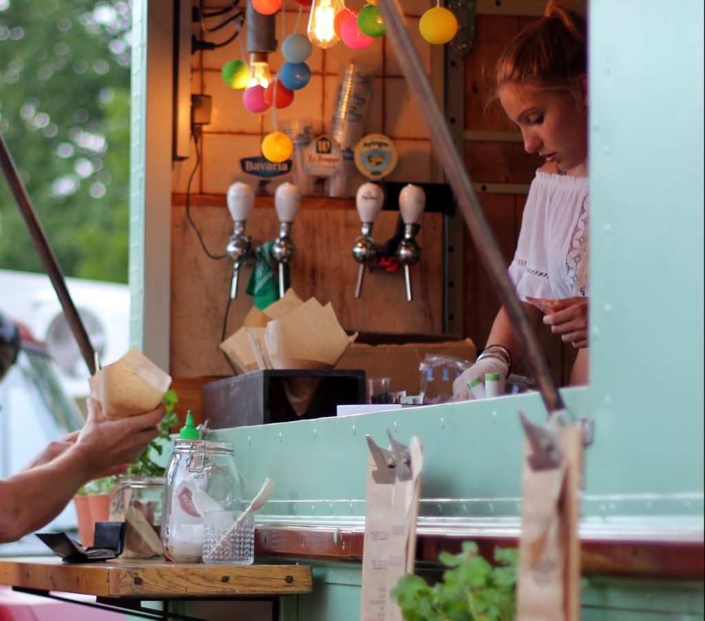 Wedding food trucks that will wow your guests