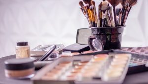 The latest wedding trend: Touch-up stations