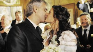 Andrea Bocelli serenades wife as a 'thank you'