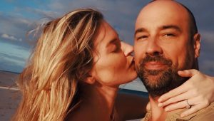 Victoria's Secret's Martha Hunt announces engagement