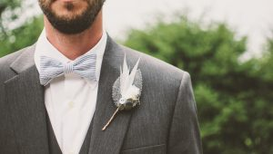 Bold boutonnières for the unique groom