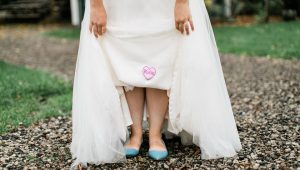 Bride honours sister on her wedding gown