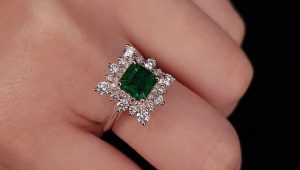 Enchanting emerald engagement rings
