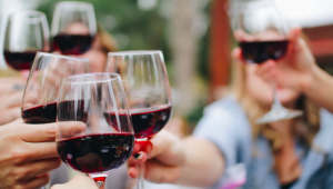 Vegan wine for an eco-friendly time at your wedding