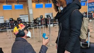 Man takes the last flight during global pandemic to propose