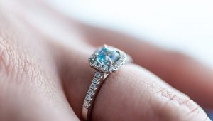 A guide to engagement ring settings