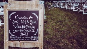 Adorable wedding signs your guests will love