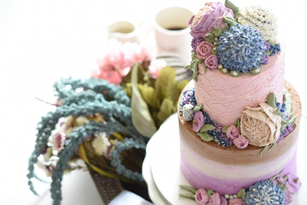 Pretty in pastel wedding cakes