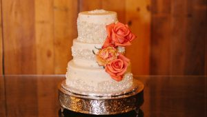 Say 'I do' to sequin cakes