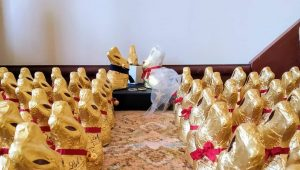 Couple stage Lindt bunny wedding after cancelling own