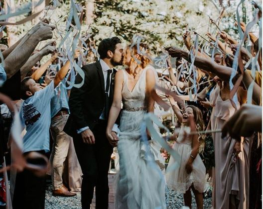 Ten creative ways to exit your wedding
