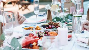 How to have a spectacular lunch wedding