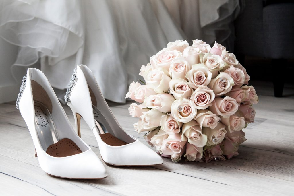 Pink Book Weddings gives back to a lucky wedding venue