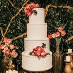 Lovely lace wedding cakes for your big day