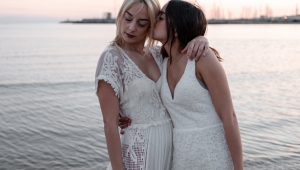 Effortlessly chic dresses to elope in