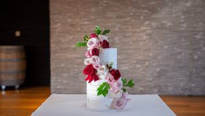 Spectacular spring wedding cakes that are full of life