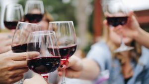 Tips for planning a DIY wine tasting for your bridal shower