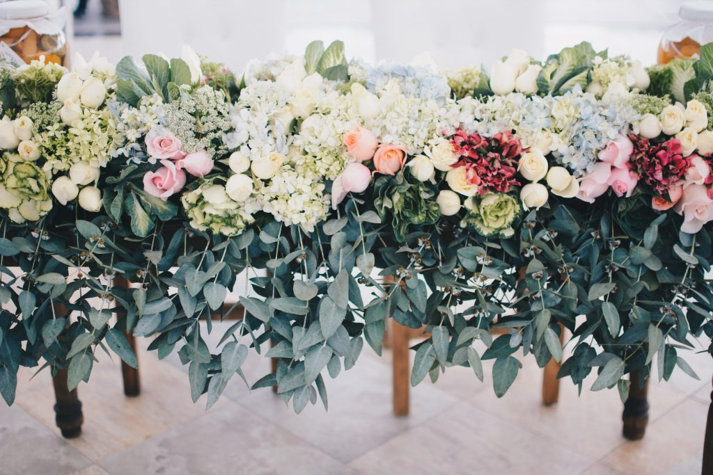 Match your flower arrangement with the season