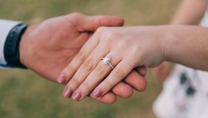 A heavenly finish: The halo engagement ring setting