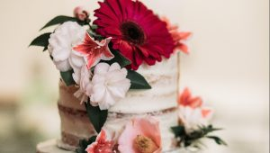 Tropical-inspired wedding cakes to complete the island vibe