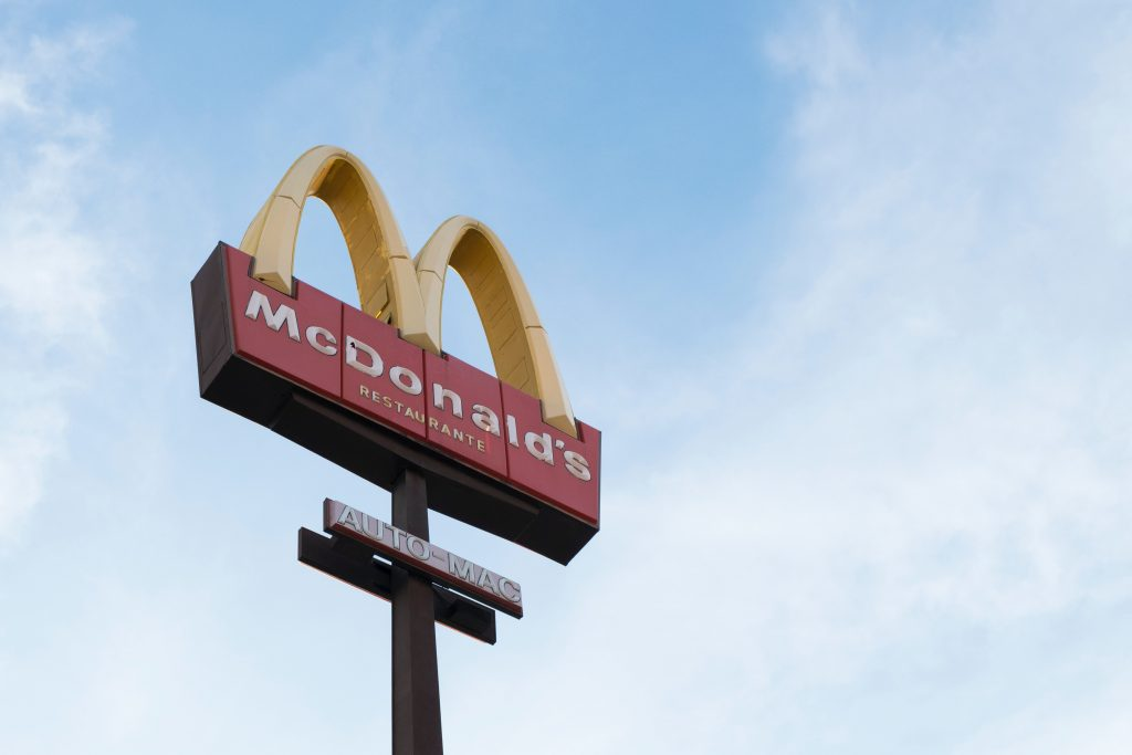 Couple celebrate wedding at McDonald's due to COVID-19