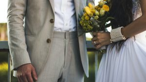Yellow bridal bouquets to brighten up your big day