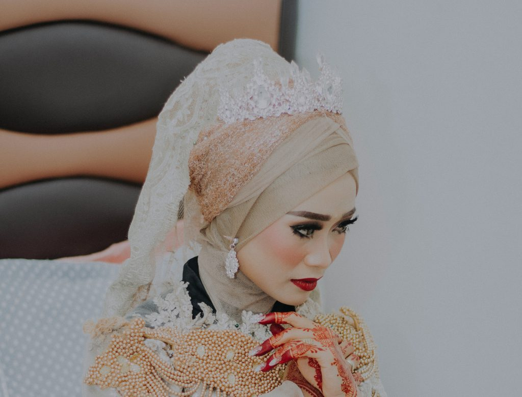 How to style a hijab with your wedding look