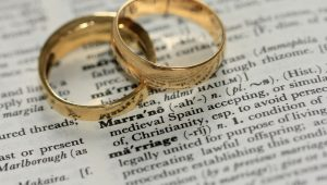 "Court rules husband owes ex-wife maintenance after she unofficially ""remarries"""