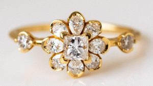 Floral-inspired engagement rings that are perfectly in bloom