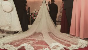 Wedding veils that will wow a crowd